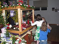 Venerating Christ's tomb during Holy Week